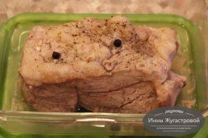 Шаг 6. Перевернуть мясо