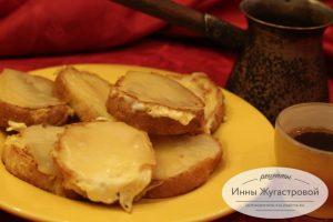 Гренки с омлетом и сыром