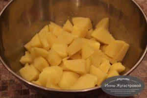 Шаг 5. Нарезать картофель
