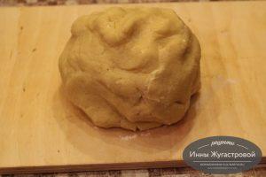 Шаг 2. Сформировать тесто в шар