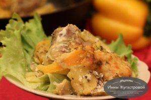 Минтай, запеченный с картофелем, кабачком