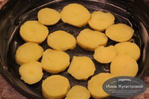 Шаг 6. Слой картофеля
