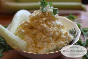 Нежный салат из адыгейского сыра