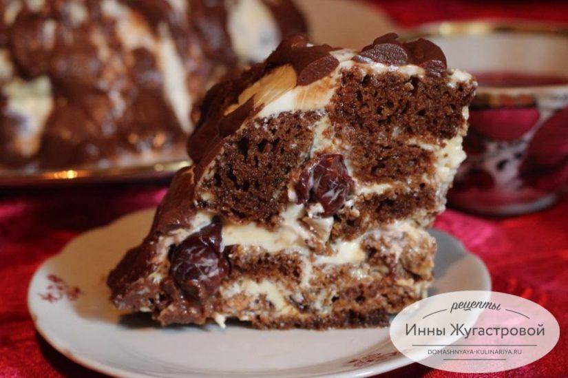 Медовый торт с вишней, орехами, сметанным кремом и шоколадной помадкой Мистер Пиквик