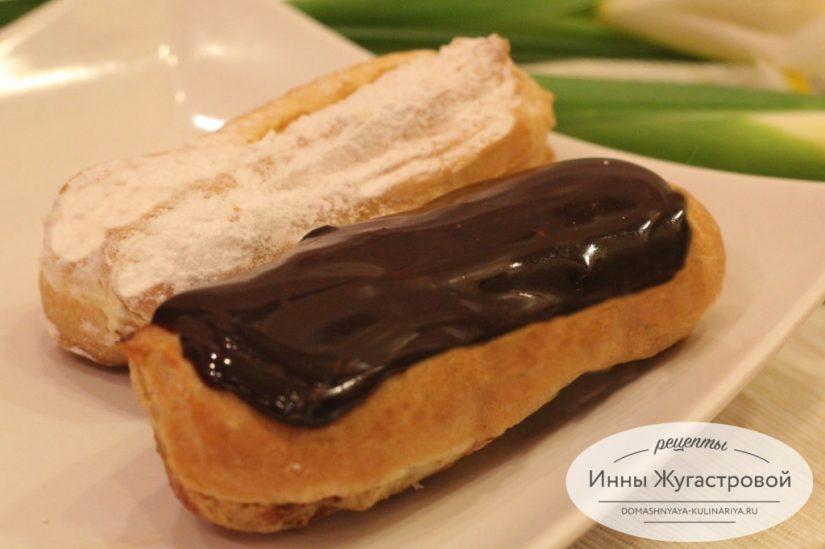 Эклеры с шоколадным и ванильным кремом шарлотт и шоколадной глазурью