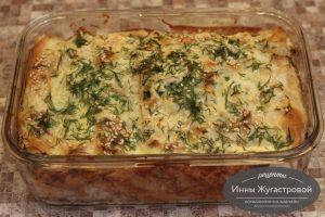 Пирог с курицей, яйцами, зеленью и оливками из лаваша