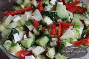 Овощной салат с брынзой и сельдерем