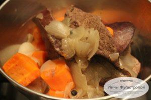 Шаг 4. Печень, лук и морковь остудить