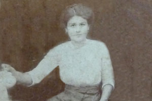 Эстер Симоньянц, 1911 г.