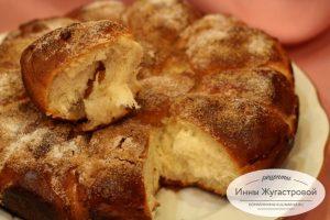 Дрожжевой абрикосовый отрывной пирог