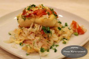 Зубатка, запеченная с рисом и овощами