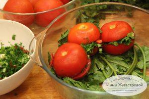 Шаг 3. Выложить помидоры