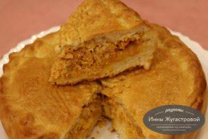 Пирог с капустой и икрой сазана
