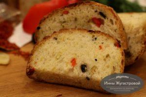 Оливковый хлеб в хлебопечке