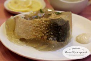 Заливное из отварной рыбы (пеленгаса)