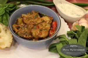 Мусаха - сезонный соус из свино-говяжьего фарша с овощами