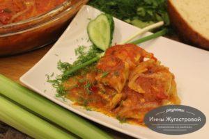 Судак в томатном соусе со специями в духовке