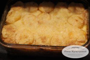 Насыпной пирог с абрикосами и творогом