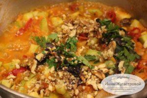 Острые овощи для маринованного в красном вине тофу