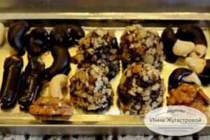 Трюфели, кешью и сыр в шоколаде из ганаша