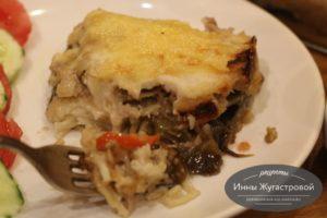 Ленивая лазанья из макарон под соусом бешамель с овощами и мясом