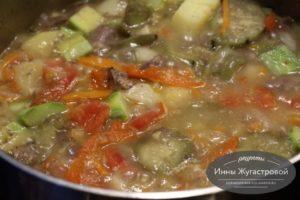 Летний овощной соус с куриными сердечками