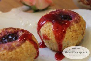 Вишневые кексы с начинкой из размороженной вишни