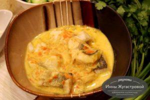 Сула (судак) в белом сметанном соусе