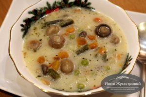 Вегетарианский словацкий суп с колбасным сыром