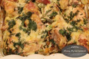 Курица с картофелем и замороженными овощами в духовке