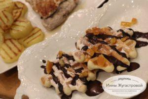 Вафли в мультипекаре на десерт к картофелю с мясом на гриле
