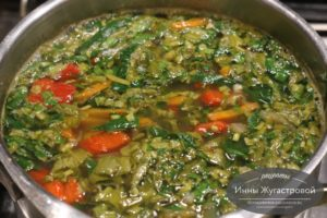 Гречневый суп с щавелем и шпинатом