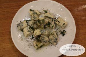 Сыр полить оливковым маслом