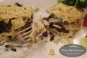 Щука с рисом и грибами в фольге в духовке