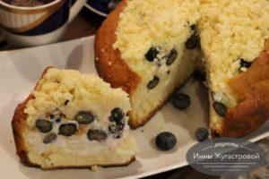 Торт с голубикой и сметанным кремом