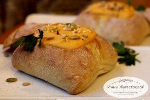 Гороховый суп-пюре в хлебе