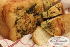 Хлеб с чесночной заливкой