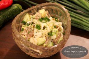 Салат из печени трески с яйцами и огурцами