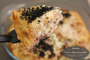 Пирог из тонкого лаваша с колбасой, сыром