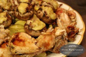 Курица с картошкой и грибами в рукаве