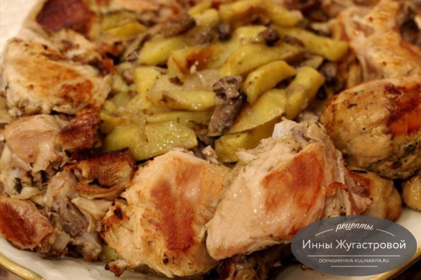 Курица в рукаве с картофелем и грибами, простой рецепт праздничного блюда