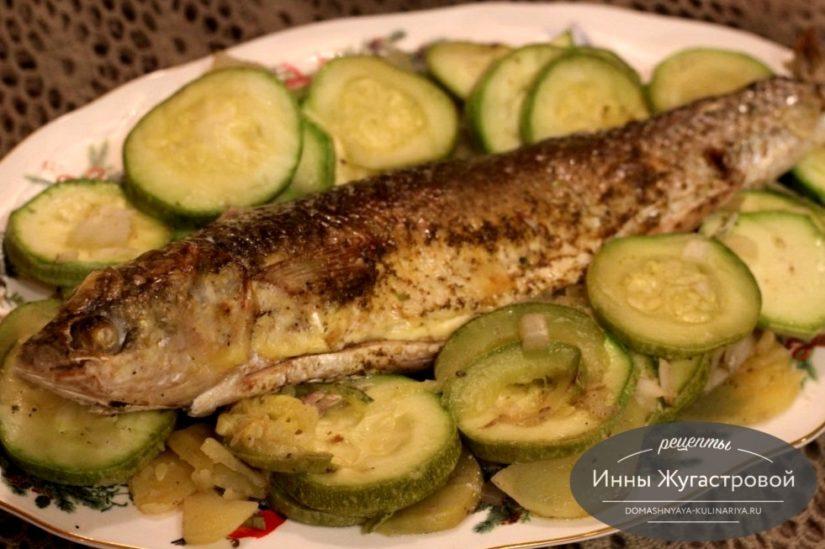 Рыба (кефаль) в фольге в духовке с картофелем и кабачками