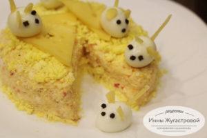 Сырный салат Мышки на сыре