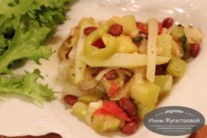 Кольраби с фасолью и овощами