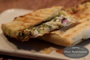Конверты из лаваша с творожно-сырной начинкой на гриле