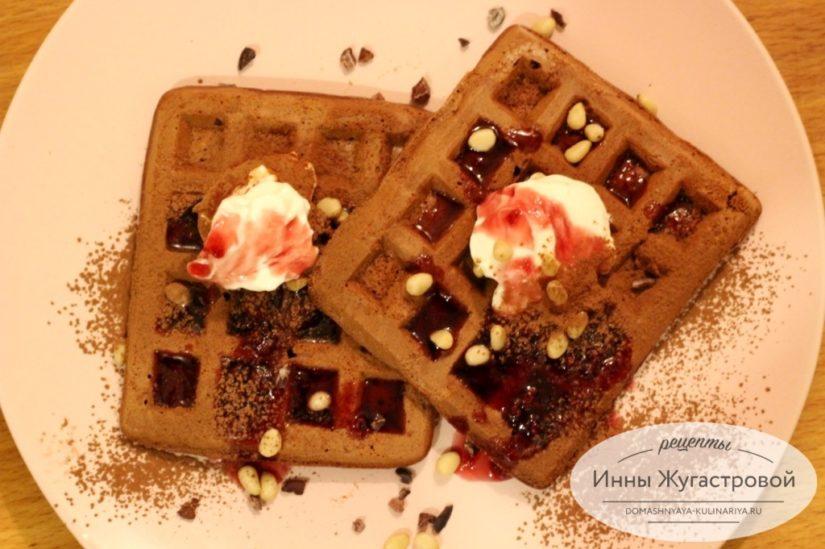 Шоколадные вафли на сметане в электровафельнице (мультипекаре Редмонд)