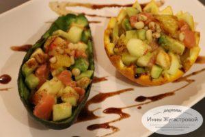 Салат из красной рыбы с апельсином, яблоком и авокадо