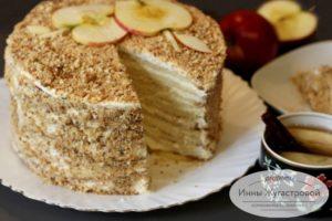 Бисквитный торт Апфельмусс с яблочным кремом