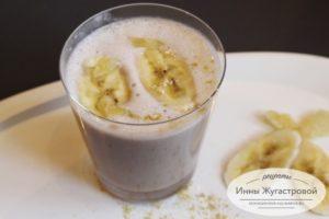 Банановый смузи на овсяном молоке