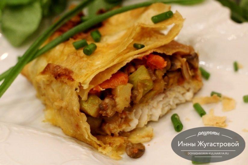 Рыба с грибами и овощами в лаваше в духовке